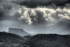 https://flic.kr/p/A5CEhZ | Pietra di Bismantova - Casina (RE) Italia - 29 Ottobre 2013 | Handheld HDR