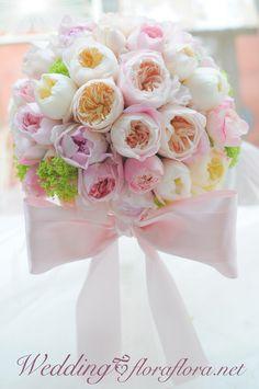 """バラ""""モナムール""""と""""ソルベペシェブラン""""のリボンブーケ to KKRホテル東京様 Pastel rose bridal bouquet with a lovely ribbon* Tokyo 東京FLORAFLORA*precious flowers*ウェディングブーケ会場装花&フラワースクール*"""