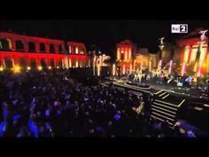06 Noi- Eros LIVE Cinecitta, Una Storia Importante + Abbracciami ..... apro le mie mani per riceverti, mentre tu le chiudi per difenderti ......