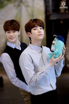 [14.05.16] Behind the scenes from BNT studio - MoonBin e MyungJun