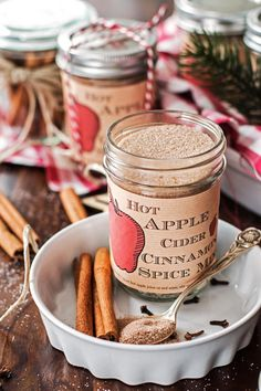 This recipe for homemade Hot Apple Cider Cinnamon Spice Mix is amazing! It's easy to make with few ingredients and makes for a perfect DIY Christmas food gift! Stir into hot apple juice or apple cider for a delicious and warming holiday drink! Apple Recipes, Fall Recipes, Holiday Recipes, Holiday Foods, Rib Recipes, Homemade Spices, Homemade Seasonings, Homemade Scrub, Homemade Butter