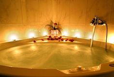 OMG! Looks soooo relaxing! Oh how I'd love to take these types of Soothing baths every night! I would so sleep in there!