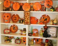 Halloween Decor With A Little Glamour | The Glamorous Housewife