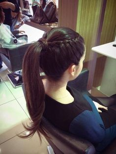 Hairstyles 2019 : Haircut styles for thin hair women Styles ] All the thin hair women complain about their dull hair all the time. In particular, one of the greatest dreams of those who have both fine hair and Ponytail Hairstyles, Pretty Hairstyles, Braided Hairstyles, Semi Formal Hairstyles, Trending Hairstyles, Thin Hair Styles For Women, Curly Hair Styles, Hair Upstyles, Simple Ponytails
