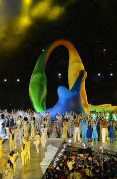 The design for the Rio 2016 Summer Olympics takes shape in the center of the stage during the Closing Ceremonies of the 2012 Games.