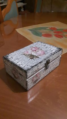 Shabby Chic Crafts, Shabby Chic Decor, Birthday Calender, Decoupage Box, Baby Cards, Box Art, Storage Boxes, Trinket Boxes, Painted Furniture