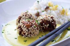 Das #Rezept der schmackhaften Asia-Bällchen in Kokos-Curry Sauce ist ein Muss für Liebhaber der #asiatischen Küche.