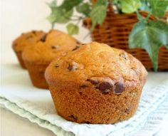 chocolate-chip/pumpkin muffins