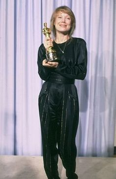 "1980 SISSY SPACEK winning her Oscar for her work in :Coal Miner's Daughhter"""