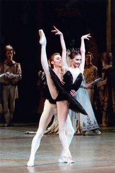 """<<A young Svetlana Zakharova as Odile with Igor Kolb, Bolshoi Ballet, """"Swan Lake"""">>"""
