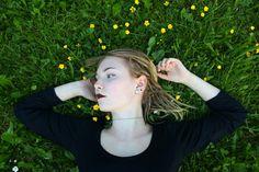 #nature #goth #gothic #dark #pale #tumblr #dreads #dreadlocks #blonde #pale #flowers #outside #dreadhead