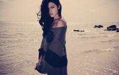 Jorge Pain of Glory Knit Military Chic, Pretty Beach, Cult Following, Beach Shoot, Fashion Labels, Urban Fashion, Glamour, Street Style, Summer