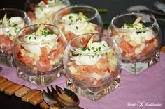 Hapje met gerookte zalm en appel Easy Snacks, Easy Healthy Recipes, Healthy Snacks, Apfel Snacks, Healthy And Unhealthy Food, Paleo Appetizers, Party Sandwiches, Xmas Food, Appetisers