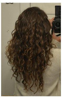 #undercut #long #curly #hair #undercutlongcurlyhair Long Layered Curly Hair, 3a Curly Hair, Natural Wavy Hair, Curly Hair Styles, Layers For Curly Hair, Style Curly Hair, Naturally Curly Hair, Undercut Curly Hair, Medium Curly
