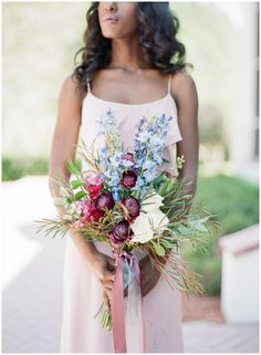 Neutral bridesmaids dresses || The Ganeys