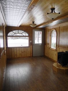 Caboose Park Model Big Tiny House on Wheels interior / The Green Life <3