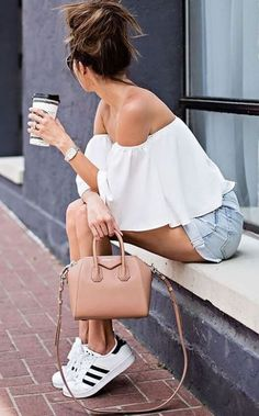 Nice 35 Trend Forward Summer Outfits To Copy Asap. More at https://outfitsbuzz.com/2018/06/02/35-trend-forward-summer-outfits-to-copy-asap/