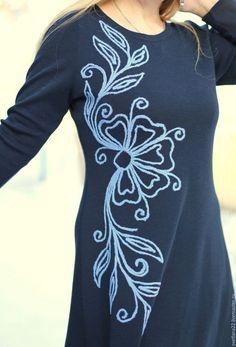Платья ручной работы. Заказать Маленькое темно-синее платье с вышивкой. Творческая мастерская Софья. Ярмарка Мастеров. Яркое платье