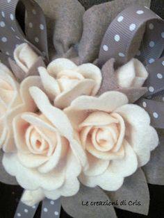 LE CREAZIONI DI CRIS ... di tutto ... un pò Cloth Flowers, Faux Flowers, Diy Flowers, Pretty Flowers, Fabric Flowers, Paper Flowers, Ornament Crafts, Felt Ornaments, Crafts To Do