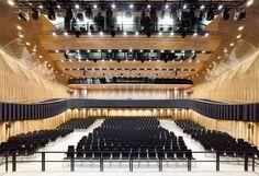 Montforthaus by Hascher Jehle Architects: a dialogue of contoured planes - Archute Feldkirch, Interior Design Minimalist, Architect Design, Lighting Design, Modern Architecture, Wine Rack, Windows, Building, Planes