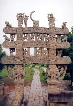Carved decoration of the north gateway, inner part, to the Great Stupa (n° 1) of Sanchi, Madhya Pradesh, India.