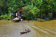Dünya'nın en büyük yağmur ormanları olan Amazonlar için çok fazla bir şey yazıp çizmeye gerek yok. Zaten kendisi Dünya'nın yedi doğal harikasından biri. Güney Amerika' da neredeyse her ülkenin dokunduğu bu ormanlara nerden giderseniz gidin büyülenmemek mümkün değil. Makapa'dan Manaus'a kadar uzanan Amazon nehri üzerinde 5-6 gün bot ile seyahat etmek hayata dair birçok şey öğrenmeye yeterli olacaktır. #Maximiles