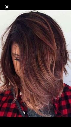 Haircolor: dark reddish brown with rose gold ombre .- haarfarbe: dunkelrotbraun mit roségold ombre Hair color: dark reddish brown with rose gold ombre – - Cool Hair Color, Fall Hair Colour, Hair Color Brown, Dark Red Hair With Brown, Brown Blonde, Brown Hair For Fall, Brown Ombre Hair Medium, Hair Colors For Fall, Rose Gold Brown Hair