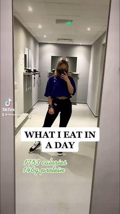 What I eat in a day for weight loss low calorie meals healthy recipes high protein diet fitness food Healthy High Protein Meals, Protein Diets, High Protein Recipes, Healthy Recipes, Low Calorie Diet, Low Calorie Recipes, Fitness Diet, Fitness Goals, Calorie Deficit