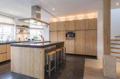 Keuken hout en stucwerk