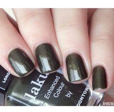 "Money Green #nailswatch in ""Posh Rising"""