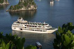 Starlight cruise Halong bay, Vietnam