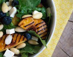 Grillet fersken salat - Opskrift på lækker salat med grillede ferskener