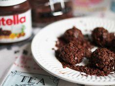 Brigadeiro de Nutella. Porque o que é bom pode sempre ficar ainda melhor! Receita completa em http://gordelicias.biz.
