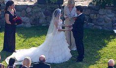 wedding dress makes guests uncomfortable America Ferrera, Wedding Looks, Wedding Bride, Wedding Ceremony, Most Beautiful Wedding Dresses, Hollywood Wedding, Famous Couples, Bride Gowns, Celebrity Weddings