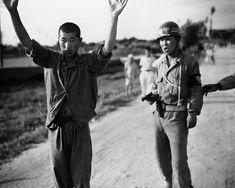 South Korean MP with a North Korean prisoner, 1950