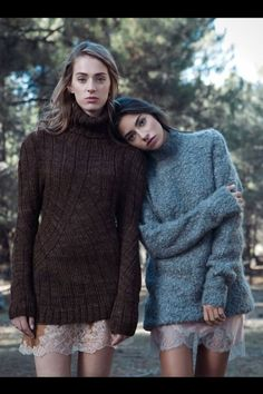 Into the forest © Fotografías: Elena Olay / Realización: Leonor Delkader Vogue Fashion, Look Fashion, Fashion Models, Womens Fashion, Gemini, Jumper Outfit, Cute Photography, Thing 1, Sweater Weather