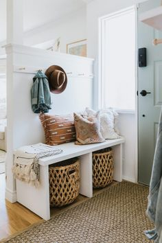 Retro Cane Sideboard - Jessica Sara Morris Cheap Home Decor, Diy Home Decor, Decor Room, Decor Crafts, Bedroom Decor, Diy Bank, Easy Diy, Simple Diy, Home Reno