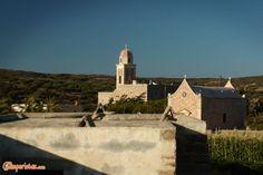 Crete: Moni Toplou, a monastery to be tasted | Camperistas.com