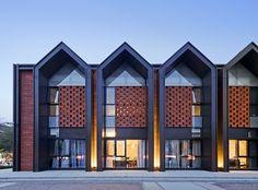42 Ideas For Brick Wall Architecture Building Brick Architecture, Residential Architecture, Contemporary Architecture, Modern Townhouse, Townhouse Designs, Building Facade, Building Design, Facade Design, Exterior Design