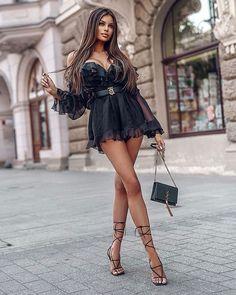 Sexy Dresses, Nice Dresses, Pernas Sexy, Latest Fashion For Women, Womens Fashion, Luxury Fashion, Look Plus Size, Looks Chic, Beautiful Legs