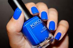 ⚓ Les couleurs de l'été : Le Bleu Électrique by diamant sur l'ongle