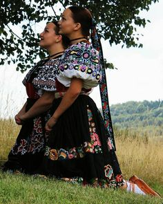 Podpoľanie, Slovakia Folk Fashion, Ethnic Fashion, Culture Clothing, Costumes Around The World, Ethnic Outfits, Europe Fashion, Folk Costume, Traditional Dresses, Collection