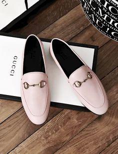 """Pour ou contre la version """"dragée"""" des mocassins Gucci ? (photo Audrey Lombard)"""