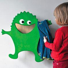 Hugo Klamotte, The Friendly Clothes Monster Rack