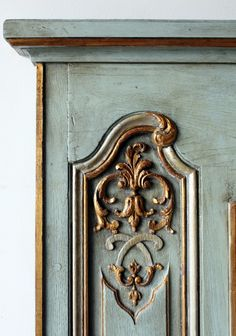 Love this French Provincial paint technique