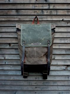 Waxed canvas backpack / rucksack with folded top door treesizeverse