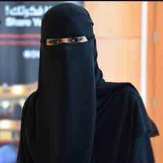 Musa Akkaya, Has Olan Tesettür Arab Girls Hijab, Muslim Girls, Beautiful Muslim Women, Beautiful Hijab, Niqab Fashion, Muslim Fashion, Hijabi Girl, Girl Hijab, Indiana