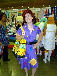 Miss Frizzle from The Magic School Bus show Halloween costume Teacher Halloween Costumes, Happy Halloween, Halloween Stuff, Miss Frizzle Costume, Magic School Bus, Writer Workshop, Book Girl, Book Characters, Just For Fun