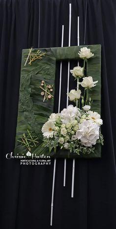 Unique Flower Arrangements, Unique Flowers, Beautiful Flowers, Deco Floral, Arte Floral, Floral Design, Fleur Design, Corporate Flowers, Small Christmas Trees