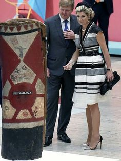 King Willem-Alexander and Queen Maxima of the Netherlands visited the Queensland Art Gallery in Brisbane, Queensland, 04 November 2016. The Dutch King and Queen are greeted by Dutch nationals. Queen Maxima wears Claes IversenFancy Dress.